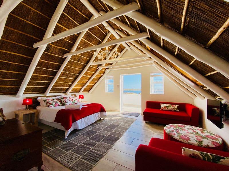 Westcoast Accommodation-Driftwood suite